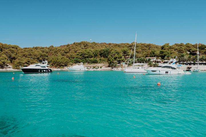 Vinogradiste bay - Devil's Islands
