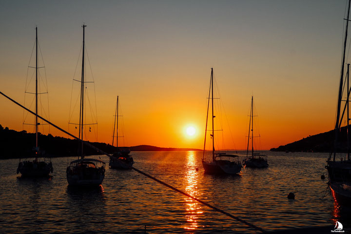 romantic sailing holidays